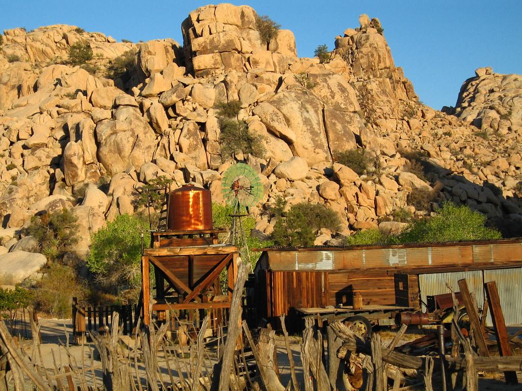 joshua-tree-national-park-climbing-camping-hiking-adventure-tour-desert-queen-ranch-keys-ranch-blacksmith-shop