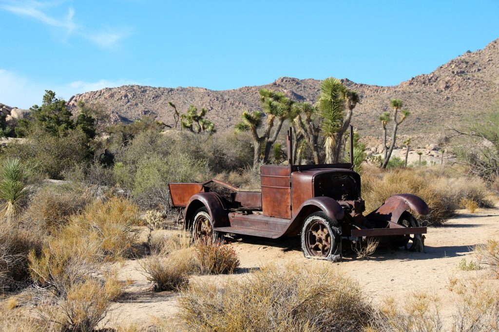 joshua-tree-national-park-climbing-camping-hiking-adventure-tour-wall-street-mill-antique-car