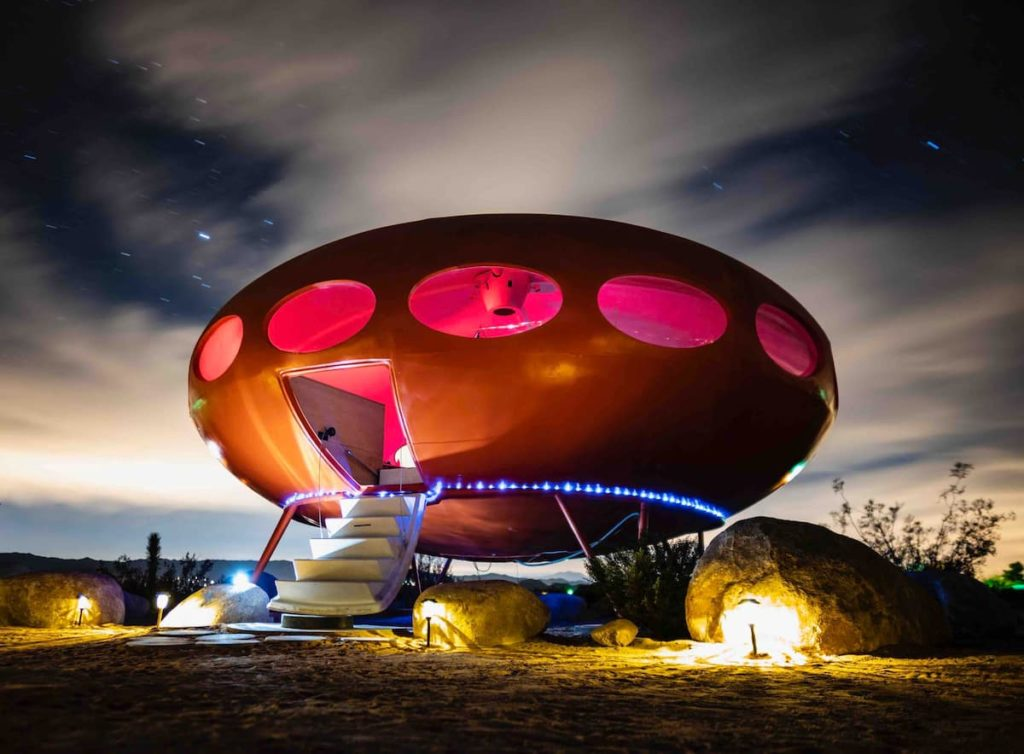 Area-55-joshua-tree-california-airbnb-hotel-places-to-stay-where-to-stay-rental-house