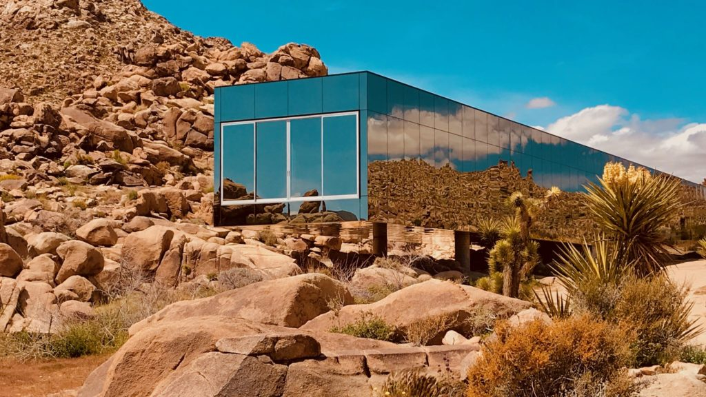 the-invisible-house-joshua-tree-national-park-adventure-tour-camping-hiking-climbing-rental-airbnb-hotels-2